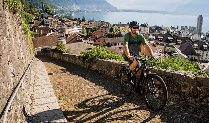 Enostvna vožnja z e-kolesom